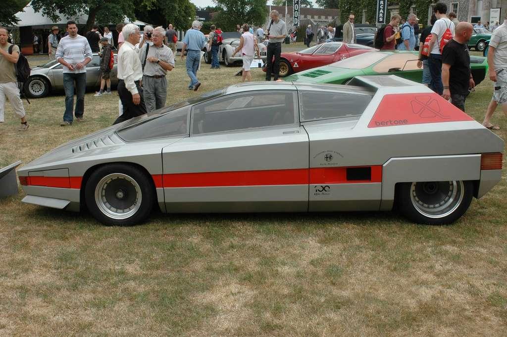 Bertone Alfa Romeo Navajo