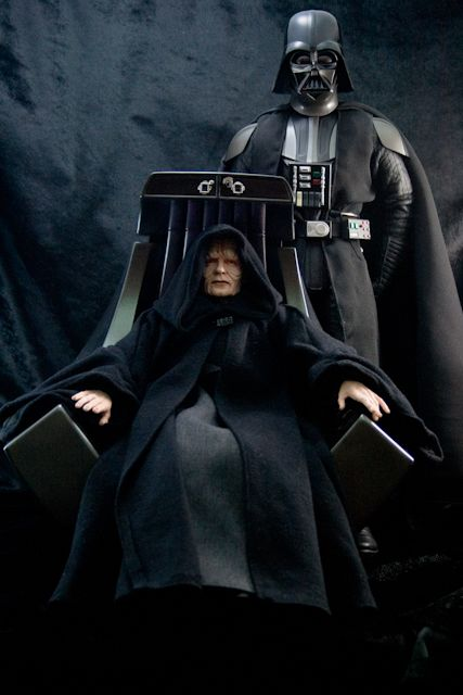 Sideshow Emperor Palpatine & Imperial Throne Announced